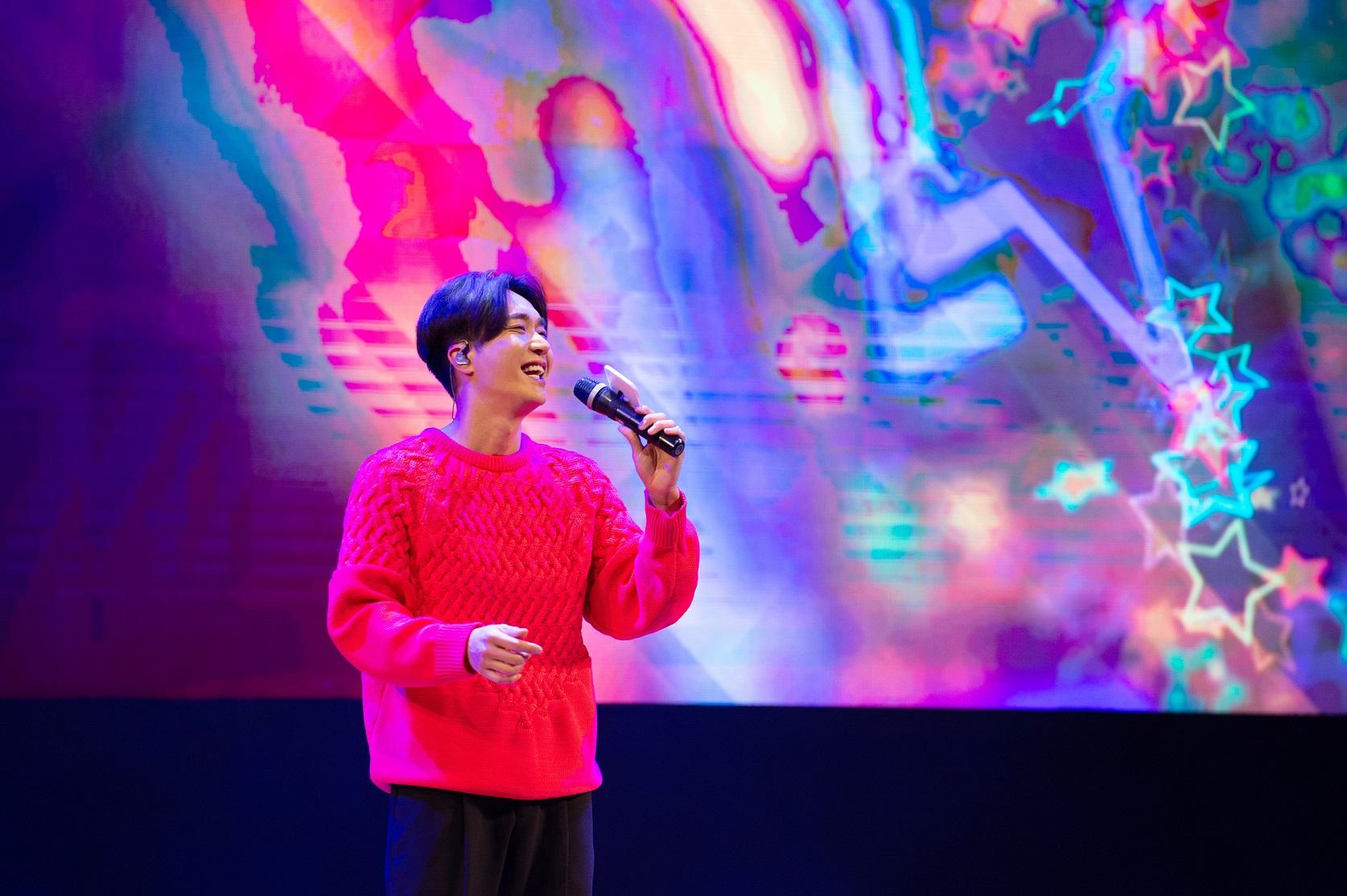 [이미지제공=월드비전] 2019 패밀리데이_게스트로 참여해 공연을 펼치는 가수 조성모.JPG
